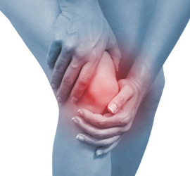 5-woman-holding-knee-pain-lgn